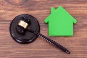 Das Mietrecht regelt die Rechtsbeziehung zwischen Mieter und Vermieter