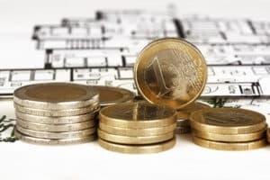 Der Mindestlohn beträgt 8,84 Euro brutto.