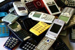 Auch beim Abschluss neuer Mobilfunkverträge wird die SCHUFA informiert.