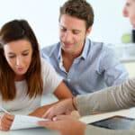 Das Namensrecht sieht bei einer Eheschließung eine Namenserklärung vor.