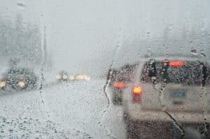 Der Nebelscheinwerfer darf laut StVO nur bei entsprechend schlechten Witterungsbedingungen genutzt werden