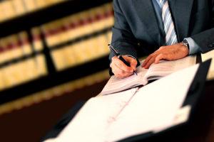 Der Nachweis von Praxiserfahrung in einem Notariat ist von Bedeutung im Einstellungsverfahren.