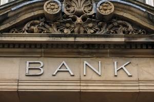 Eine notariell beglaubigte Vollmacht findet bei Banken und Behörden mehr Akzeptanz.