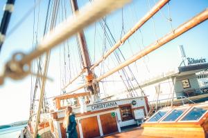 Befinden Sie sich auf einem Schiff, ist ein Nottestament auf See möglich.