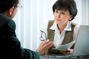 Die Berater bieten dem Opfer juristische Hilfe, aber auch menschlichen Beistand und ein offenes Ohr.