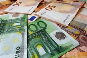 316 Euro Pflegegeld stehen Ihnen bei Pflegegrad 2 im Monat zu.