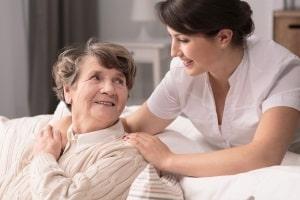 Die neuen Pflegegrade berücksichtigen auch Menschen mit Demenz.
