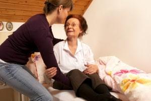 Pflegerecht: Durch das Pflegezeitgesetz bleibt mehr Zeit für häusliche Pflege.
