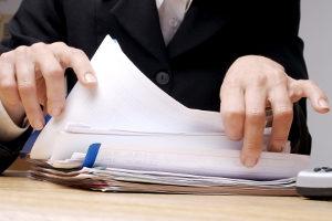 Bedingungen zur Probezeit sind im Arbeitsvertrag oft verzeichnet.