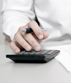 Sie benötigen keinen Rechner, denn wir stellen für jede Steuerklasse eine Tabelle bereit.