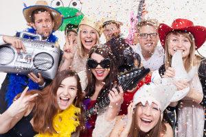 Karneval macht Spaß - aber nicht, wenn Sie in der Menge bestohlen werden. Ein Rechtsanwalt für Strafrecht in Köln hilft!