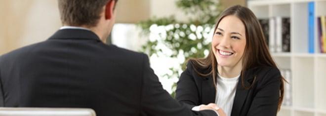 Das Vorstellungsgespräch gibt dir die Gelegenheit, dich persönlich vorzustellen