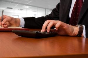 Das Rechtsanwaltsvergütungsgesetz regelt die Berechnung der Gebühren von Anwälten.