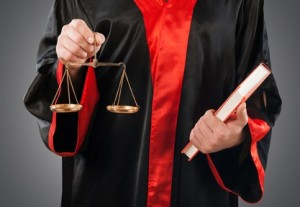Die Rechtsanwendung ist ein Bestandteil in der Ausbildung von Rechtsanwaltsfachangestellten.