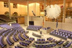 Rechtsextremismus wendet sich offensiv gegen die freiheitlich-demokratische Bundesrepublik.
