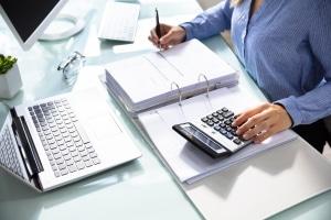 Rente wegen voller Erwerbsminderung: Die Berechnung berücksichtigt zahlreiche Faktoren.