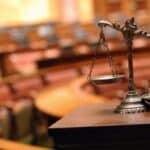 Die Revision bezeichnet unter anderem eine Rechtskategorie.