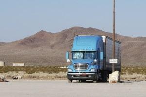 Laut Gesetz dürfen Kraftfahrer die wöchentlichen Ruhezeiten nicht im Lkw verbringen.
