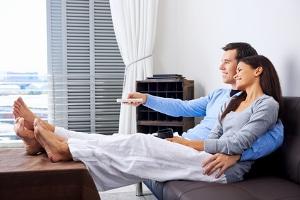 Wenn zwei Menschen zusammenziehen, kann sich einer vom Rundfunkbeitrag abmelden.