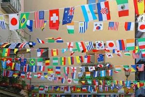Andere Länder, andere Sitten? So wird der Rundfunkbeitrag im Ausland gehandhabt.