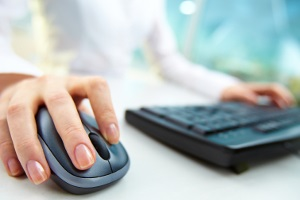 Bei der Scheidung verkürzt sich die Dauer, wenn das Verfahren online abgewickelt wird.