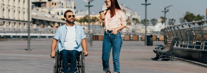 Nicht jeder Mensch, der in einem Rollstuhl sitzt, gilt als schwerbehindert. Und nicht jede Schwerbehinderung ist nach Außen hin sichtbar.