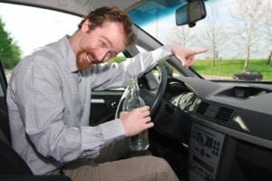 Ist der Fahrzeugführer absolut fahruntüchtig, droht ein sofortiger Führerscheinentzug.