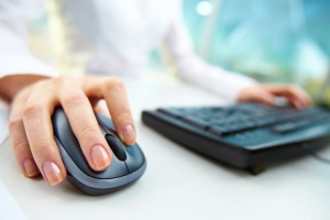 Gefährlicher Spam: Um die E-Mail-Adresse zu melden und andere Verbraucher zu schützen, braucht es meist nur wenige Klicks.