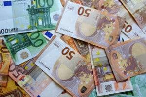 Ein kostspieliger Spielertransfer kann einen Verstoß gegen das Financial Fair Play darstellen.