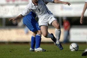 Sponsoring ist im Fußball mitunter ein umstrittenes Thema.