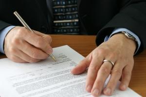 Bei einer hohen Vertragsstrafe kann es sinnvoll sein, die strafbewehrte Unterlassungserklärung nicht zu unterschreiben.