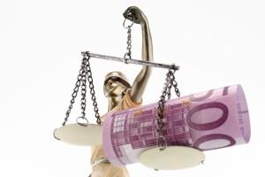 Strafbewehrte Unterlassungserklärung: Bei einer Verleumdung wird der Streitwert fiktiv berechnet.