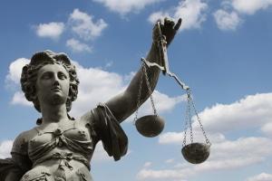 Die Strafe für versuchten Totschlag kann gemildert werden.