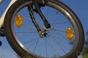 Laut StVZO gehören zur Fahrradbeleuchtung auch bestimmte Reflektoren.