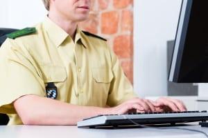 Telefonterror: Hilfe erhalten betroffene Personen unter anderem bei der Bundesnetzagentur und der Polizei.