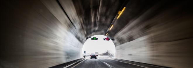 In einem Tunnel müssen Autofahrer besonders wachsam sein.
