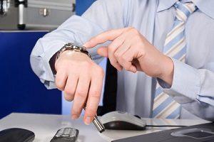Wollen Sie sich die Überstunden auszahlen lassen, berechnen Sie die Anzahl bestenfalls im Voraus.