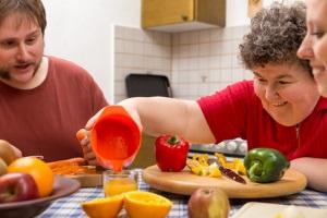 Kann der routinierte Umgang mit Demenz im Pflegeheim eine bessere Versorgung gewährleisten?