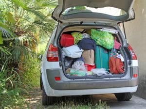 Achten Sie beim Umzug darauf, dass es bei Ihrem Fahrzeug nicht zur Überladung kommt. Es drohen hohe Bußgelder.