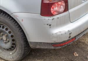 Unfall mit Bagatellschaden: Hier müssen Sie die Polizei nicht zwangsläufig kontaktieren.