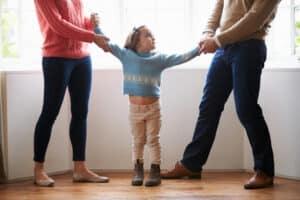 Streit über den Unterhalt: Streitereien um Folgesache verlängern das Scheidungsverfahren und treiben die Kosten in die Höhe.