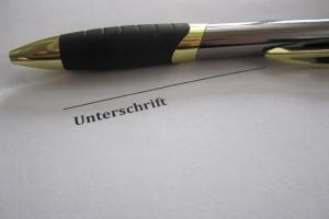 Unterlassungserklärung unterschreiben: Damit akzeptieren Sie die Bedingungen.