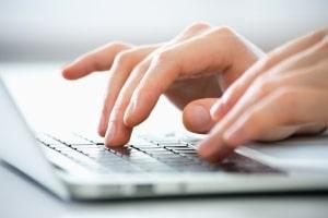 Werke genießen den Schutz durch das Urheberrecht auch im Internet.