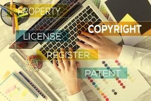 Das Urheberrechtsgesetz (UrhG) ermöglicht ebenfalls die Verwertung eines Werkes.