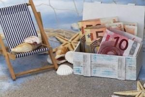 Besondere Urlaubskasse: Ist das Gepäck verspätet, wird eine Entschädigung von knapp 1.400 Euro gezahlt.
