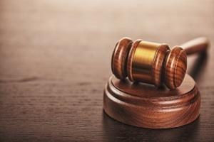 Nachdem die Revision zurückgezogen wurde, ist das erstinstanzliche Urteil zum Bomben-Scherz rechtskräftig