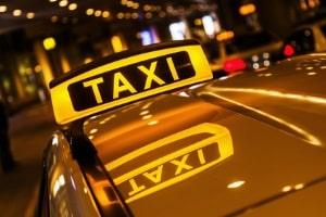 EuGH-Urteil: Uber ist ein Transportunternehmen, ähnlich einem Taxidienst.