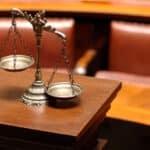 Verbrechen und Vergehen: Welcher Unterschied besteht zwischen den Begriffen?
