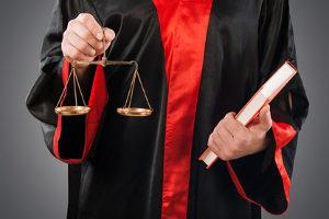 Das Verfassungsrecht in Deutschland ist u. a. durch Rechtsstaatlichkeit gekennzeichnet.