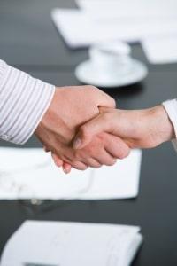 Vergaberecht: Ein Rechtsanwalt auf diesem Gebiet arbeitet im Regelfall mit öffentlichen Auftraggebern zusammen.